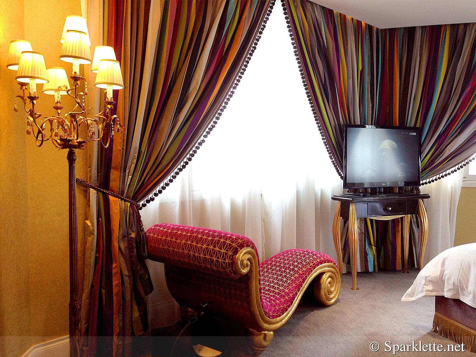 The Scarlet Hotel Splendour Suite Lounger